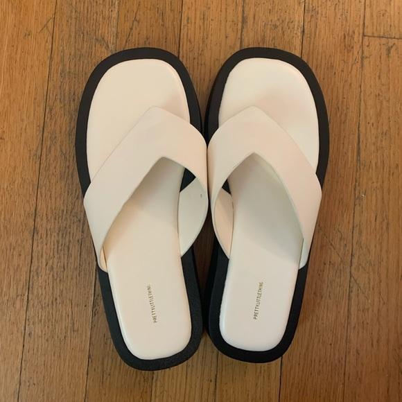 NWT Platform Thong Sandals in Cream